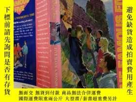二手書博民逛書店FIVE罕見HAVE A WONDERFUL TIME:五個玩得很開心,Y200392