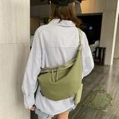 上新港風帆布包包女包 新款 潮ins日韓學生文藝單肩包餃子包