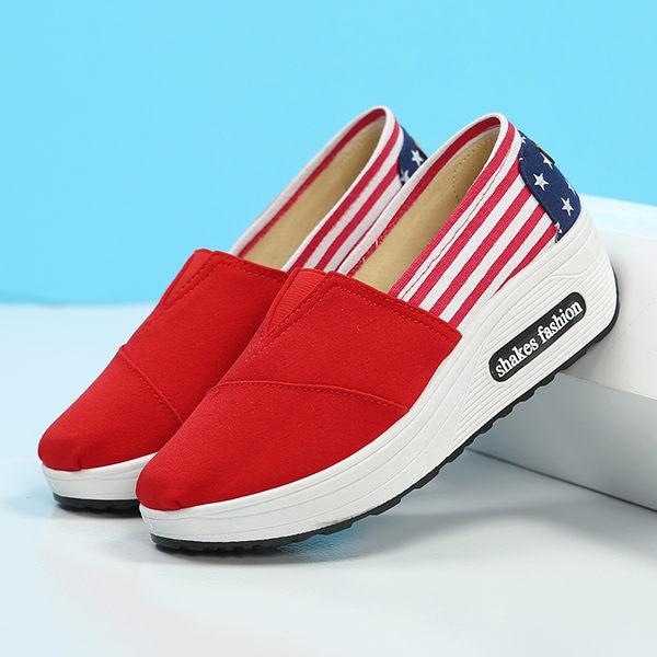快速出貨 2019年新款帆布百搭坡跟鬆糕布鞋女厚底增高懶人運動搖搖鞋
