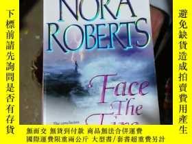 二手書博民逛書店《罕見Key of Light 》Y15389 Nora Rob
