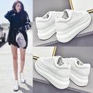 增高鞋 小白鞋女2021新款春季內增高百搭潮鞋2021爆款厚底鞋子鬆糕白鞋夏 薇薇