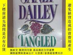 二手書博民逛書店外文書罕見JANET DAILEY TANGLED VINES(共439頁,32開)Y15969