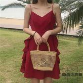 度假沙灘裙女性感露背吊帶裙紅色連身短裙【時尚大衣櫥】