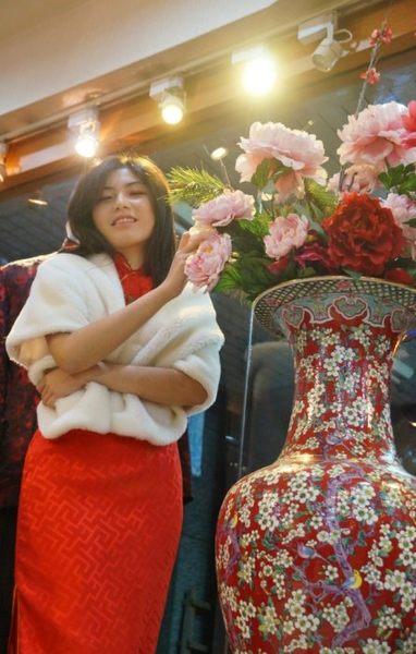 台北市 漢清 旗袍 服飾店 量身訂做3800~11800 出租1800起 媽媽禮服 尾牙 春酒 團體服裝 表演禮服