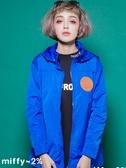 【2%】新品 miffy X 2% 連帽立領防水風衣外套-藍
