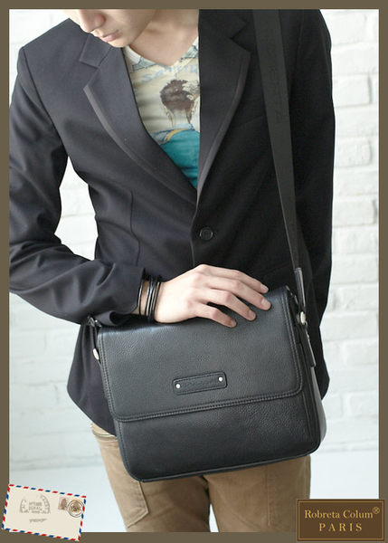 Roberta Colum - 時尚鉚釘軟牛皮帥氣型男實用斜背包-黑色