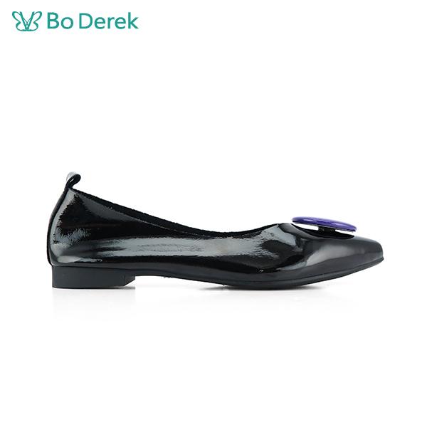 Bo Derek 造型飾扣漆皮平底鞋-黑色