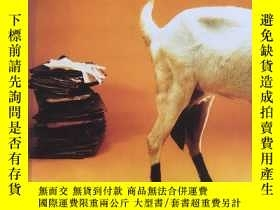 二手書博民逛書店The罕見Mammaries of the Welfare St