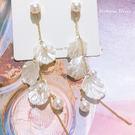 925純銀針  韓國優雅氣質 珍珠花瓣 耳環-維多利亞190734