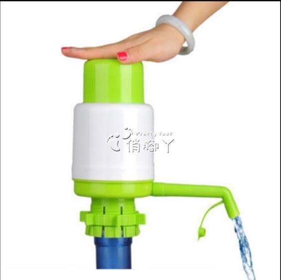 抽水器 壓水器手壓式飲水機純凈水桶按壓 礦泉水壓水泵 家用桶裝水抽水器 俏腳丫