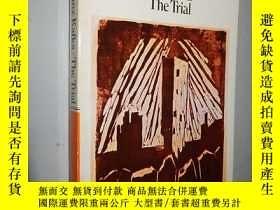 二手書博民逛書店The罕見Trial(penguin Modern Classi