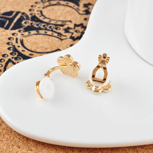 【NiNi Me】夾式耳環 氣質甜美小雛菊花朵無耳洞夾式耳環 夾式耳環 E0062