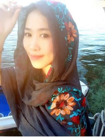 [協貿國際]  女士春夏季繡花純色棉麻圍巾披肩 (1入)