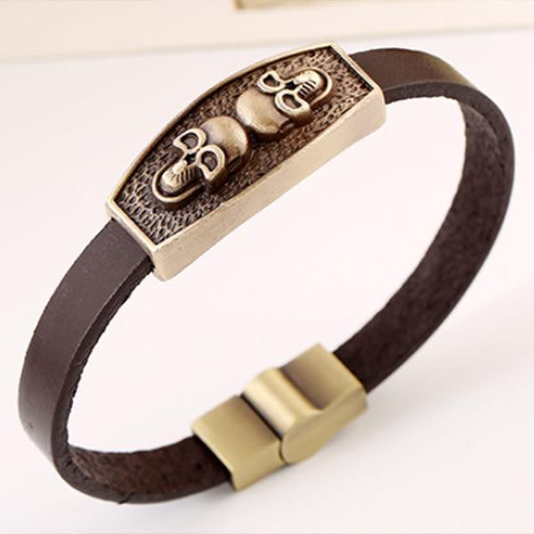 《 QBOX 》FASHION 飾品【L100GT014】精緻個性復古雙骷顱頭圖騰合金皮革手鍊/手環