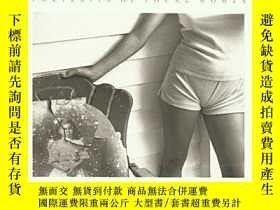 二手書博民逛書店At罕見TwelveY256260 Mann, Sally Aperture 出版2005