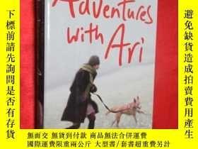 二手書博民逛書店Adventures罕見with Ari: A Puppy, a