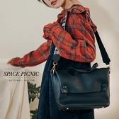包包 Space Picnic|素面仿皮革格紋背帶側背包(預購)【C19102017】