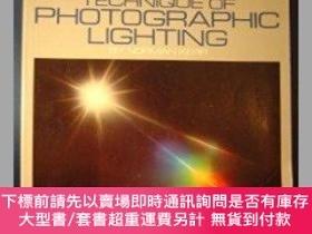 二手書博民逛書店Techniques罕見of Photographic Lighting-攝影照明技術Y364727 Norm