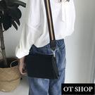 [現貨]  側肩背 斜肩背 黑色小方包 韓系簡約素面質感皮革 撞色寬肩帶  H2013 OT SHOP