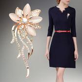 韓國時尚胸花 高檔西裝胸針女開襟毛衣外套別針披肩扣配飾 桃園百貨