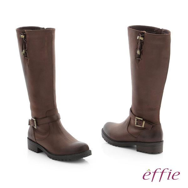 effie 個性美型 防潑水麂皮直筒靴 深咖啡