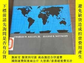 二手書博民逛書店The罕見Global Agenda: Issues and P