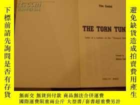二手書博民逛書店THE罕見TORN TUNIC Y27054 Tito Casi