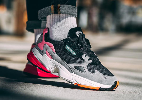 IMPACT Adidas Originals Falcon 黑 灰 粉 色塊 撞色 厚底 復古 老爹鞋 BB9173