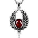 《QBOX 》FASHION 飾品【CSP462】精緻個性復古歐美紅寶石老鷹翅膀鑄造鈦鋼墬子項鍊/掛飾