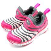 《7+1童鞋》中童 NIKE DYNAMO FREE Y2K (PSV) 彈性TPU伸縮網布 毛毛蟲鞋 運動鞋 F853 粉色
