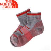 【The North Face 美國 運動羊毛平口襪《灰/棕紅》】3CNO/透氣耐磨/機能襪/SmartWool羊毛★滿額送