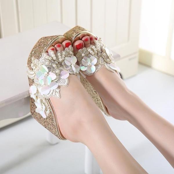 楔型鞋 沙灘鞋 甜美串珠花朵透明坡跟涼拖鞋女