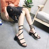 蛇形纏繞涼鞋尖頭露趾水鉆纏繞平底鞋中空平跟涼鞋女 俏女孩