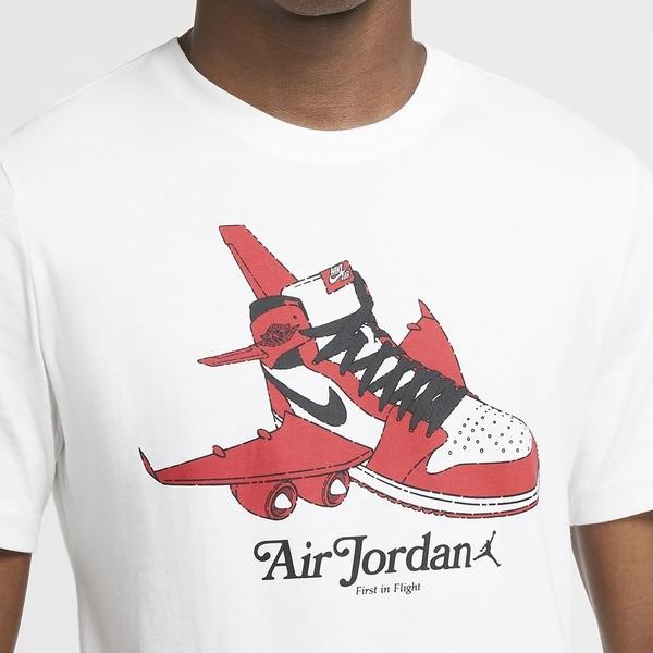 NIKE 短T JORDAN BRAND AJ1 喬丹 白紅 芝加哥飛機 短袖 T恤 男 (布魯克林) CN3597-100