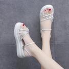 坡跟涼鞋 拖鞋女夏外穿潮新款珍珠厚底一字網紅兩穿仙女風沙灘涼鞋