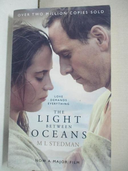 【書寶二手書T1/原文小說_BQA】The Light Between Oceans. Film Tie-In_M L Stedman