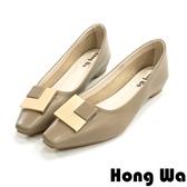 Hong Wa 輕穿搭‧素面牛皮L方釦粗低跟包鞋 - 咖
