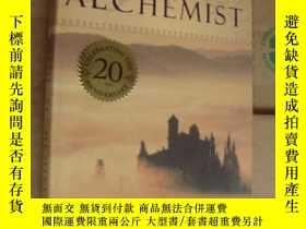 二手書博民逛書店The罕見Alchemist (CELEBRATING THE