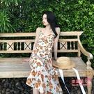 度假風洋裝 2020春夏文藝復古碎花連身裙女縮腰顯瘦法式膝上吊帶長裙夏 2色