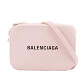 【BALENCIAGA】牛皮EVERYDAY LOGO LINE斜背相機包(粉色)XS 552372 DLQ4N 5960