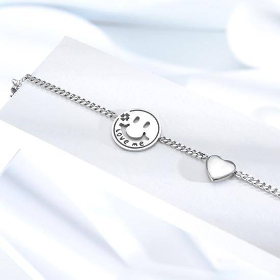 《QBOX 》FASHION 飾品【B20N1055】 精緻秀氣正能量笑臉圓牌愛心鈦鋼手鍊/手環