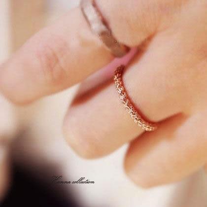 《花花創意会社》【H1958】尹恩惠同款.麻花玫瑰金複古戒指