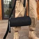 潮流時尚圓筒造型百搭街頭側背包