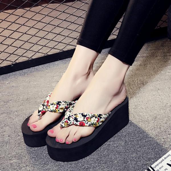 夏季坡跟涼拖鞋女士高跟防滑沙灘人字拖旅游時尚拖鞋鬆糕夾腳拖潮