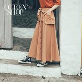 Queen Shop【03070103】附綁帶口袋排釦造型長裙 兩色售 S/M/L*現+預*