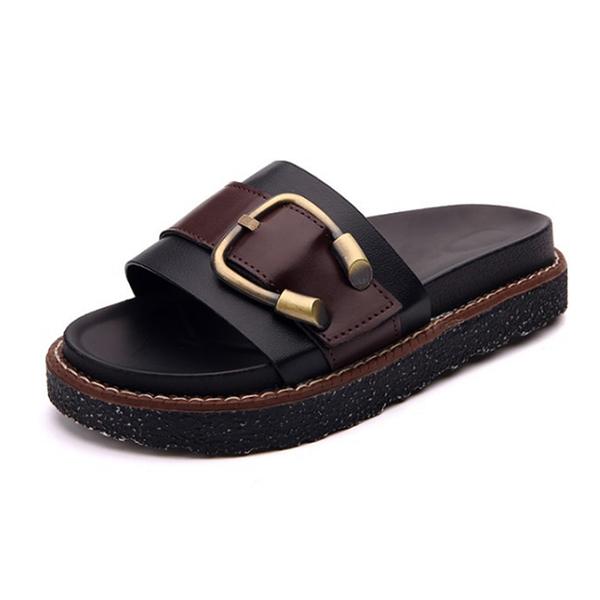 【Jingle】潮流時尚簡約金屬扣鬆糕底涼拖鞋(黑色白色2色全尺碼)