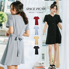 洋裝 Space Picnic|素色V領排釦綁帶短洋裝(現貨)【C20073069】