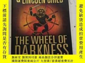 二手書博民逛書店The罕見Wheel of Darkness【黑暗之輪,道格拉斯