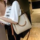 春季上新小包包女新款潮韓版百搭手提單肩時尚斜挎水桶包女包 衣櫥秘密