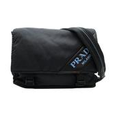 【台中米蘭站】全新品 PRADA 牛皮印字鋪棉尼龍雙扣斜背包(1BD157-黑)
